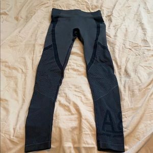 Abercrombie & Fitch yoga/running pants size XS.